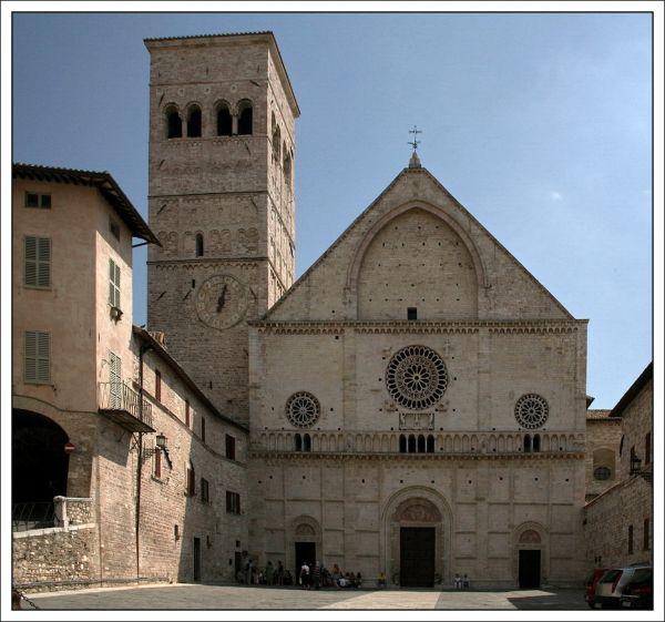 Базилика Сан-Руфино