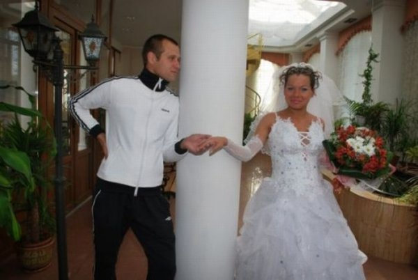 http://mia-italia.com/sites/default/files/1255548053_strange_wedding_in_russia_05.jpg