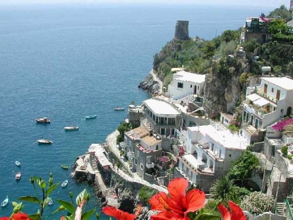 http://mia-italia.com/sites/default/files/1578663782_e5de7cd037_o.jpg