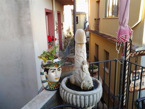 http://mia-italia.com/sites/default/files/20120101_190855.jpg