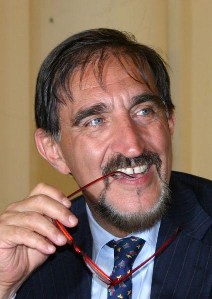 https://mia-italia.com/sites/default/files/3843_-_La_Russa,_Ignazio_-_Foto_Giovanni_Dall'Orto,_9-July-2007_cropped.jpg