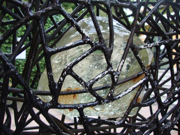 часть ворот в музей Пегги Гугенхайм