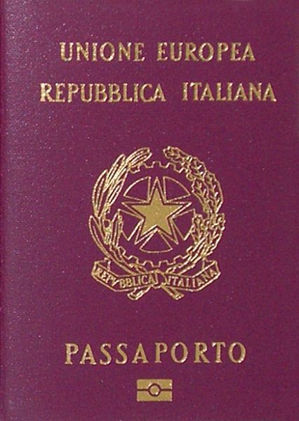 https://mia-italia.com/sites/default/files/Italian_biometric_passport.jpg