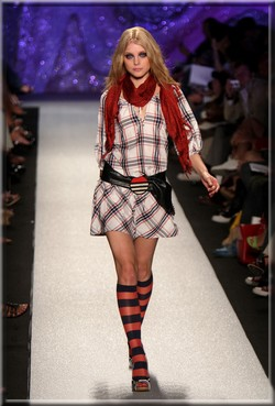 https://mia-italia.com/sites/default/files/MissSixtyRunwaySpring09MBFW0rdAR8tSp-nl.jpg