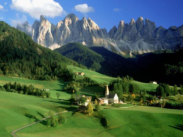 https://mia-italia.com/sites/default/files/Val_di_Funes_Dolomites_Ital.jpg