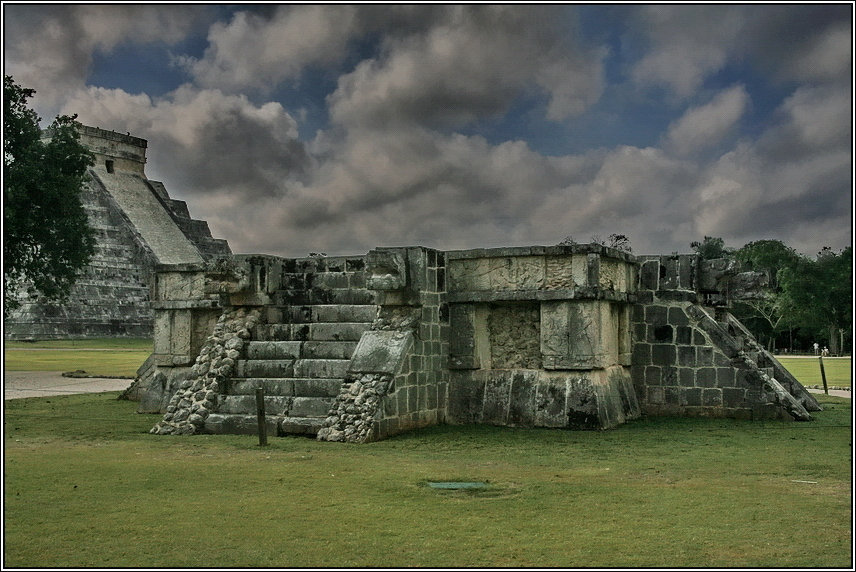 http://mia-italia.com/sites/default/files/allenatore/chichen-itza/H0N1G.jpg