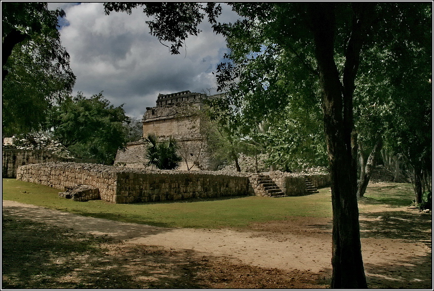 http://mia-italia.com/sites/default/files/allenatore/chichen-itza/MinXT.jpg