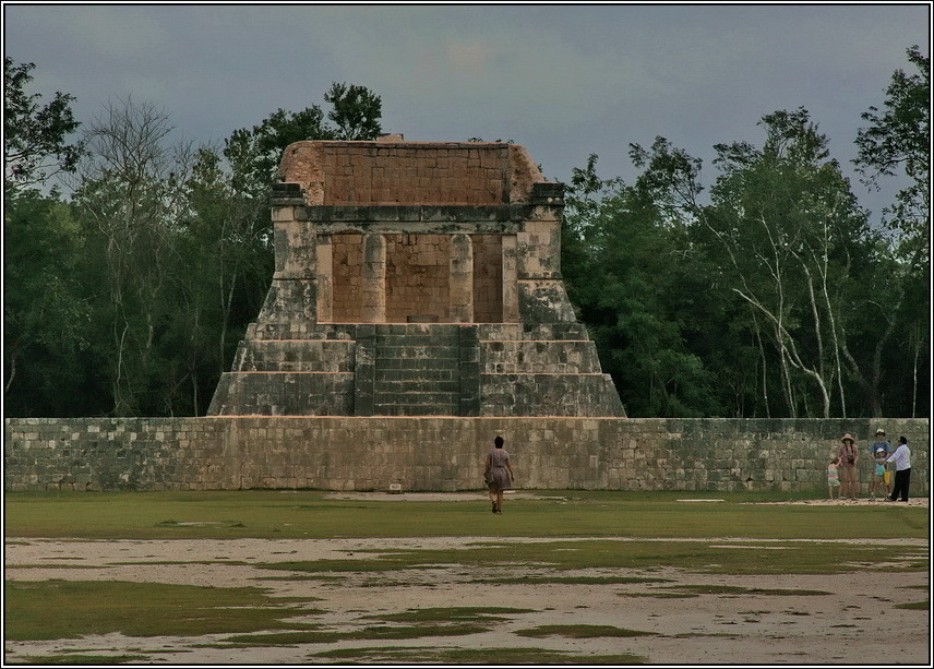http://mia-italia.com/sites/default/files/allenatore/chichen-itza/U4pZX.jpg