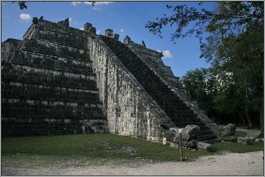 http://mia-italia.com/sites/default/files/allenatore/chichen-itza/fHT6K.jpg
