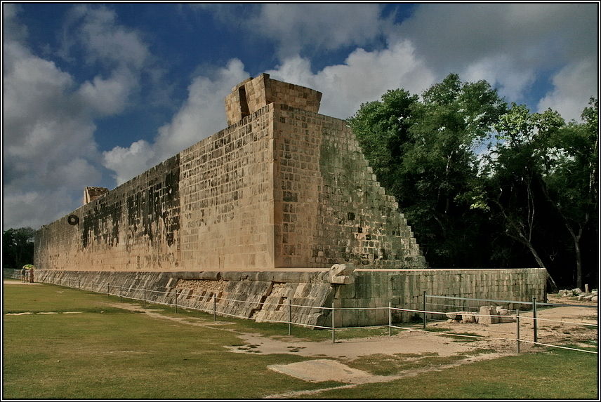 https://mia-italia.com/sites/default/files/allenatore/chichen-itza/sQeMW.jpg