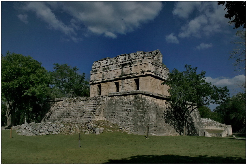 http://mia-italia.com/sites/default/files/allenatore/chichen-itza/woxXs.jpg