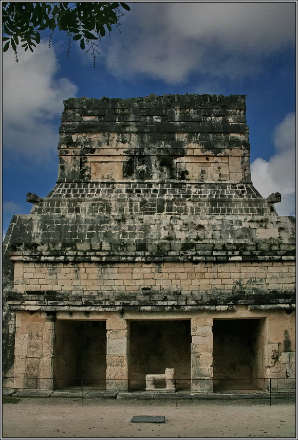 https://mia-italia.com/sites/default/files/allenatore/chichen-itza/z6nhl.jpg