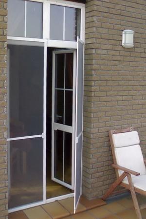 http://mia-italia.com/sites/default/files/doorscreen.jpg
