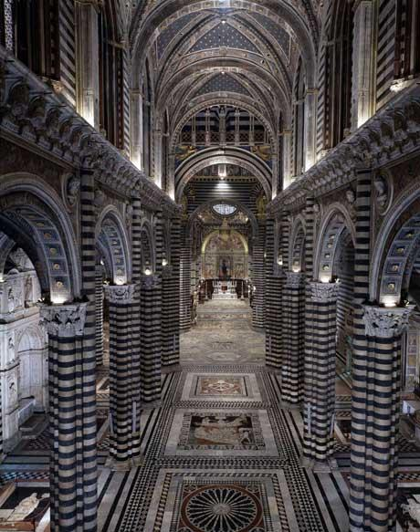 http://mia-italia.com/sites/default/files/duomo_navata_centrale_imgzoom.jpg