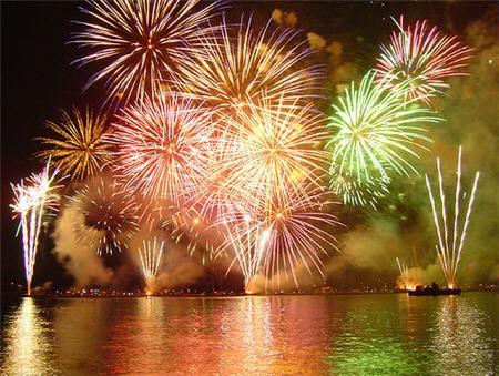 http://mia-italia.com/sites/default/files/fireworks.jpg
