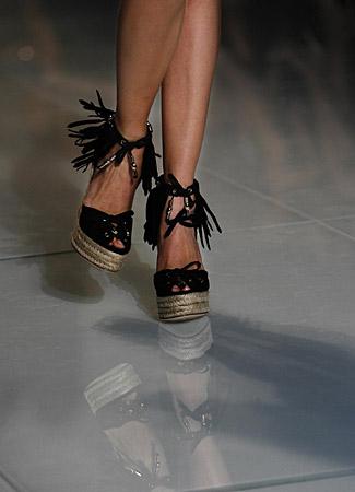https://mia-italia.com/sites/default/files/gucci-cruise-scarpe.jpg
