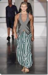 milan-fashion-week-09-emporio-armani-002-nc-thumb.jpg