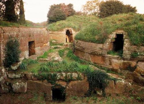 Некрополь древних этрусков, фото