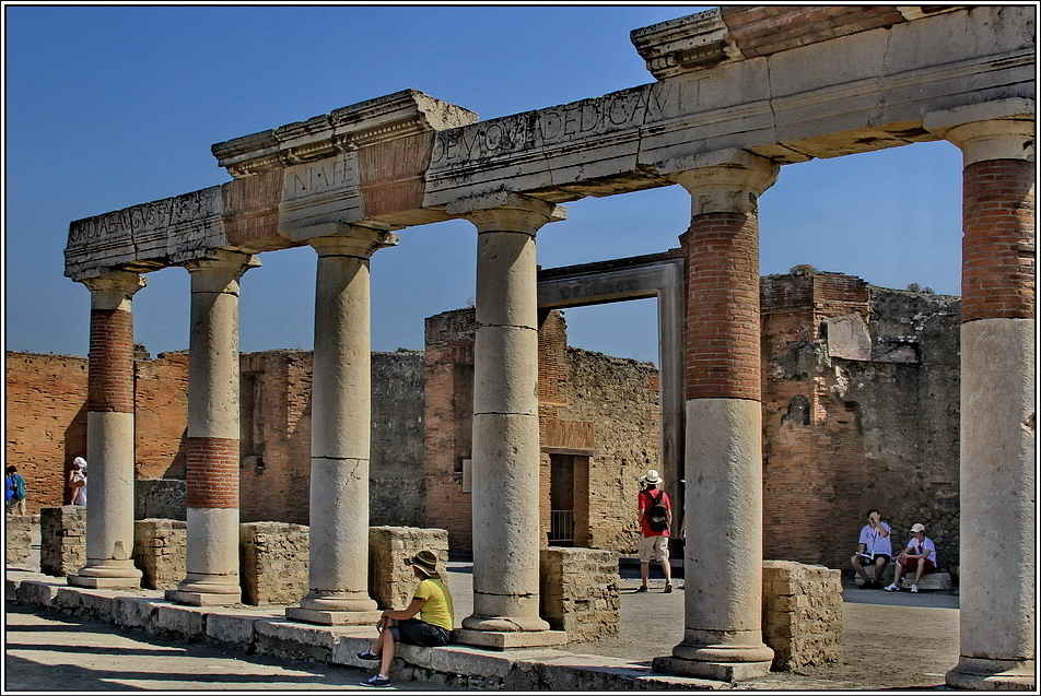 https://mia-italia.com/sites/default/files/pompei/2WAFX.jpg