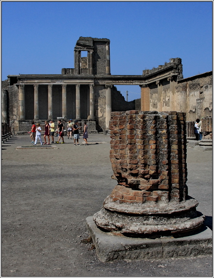 https://mia-italia.com/sites/default/files/pompei/C7aOG.jpg