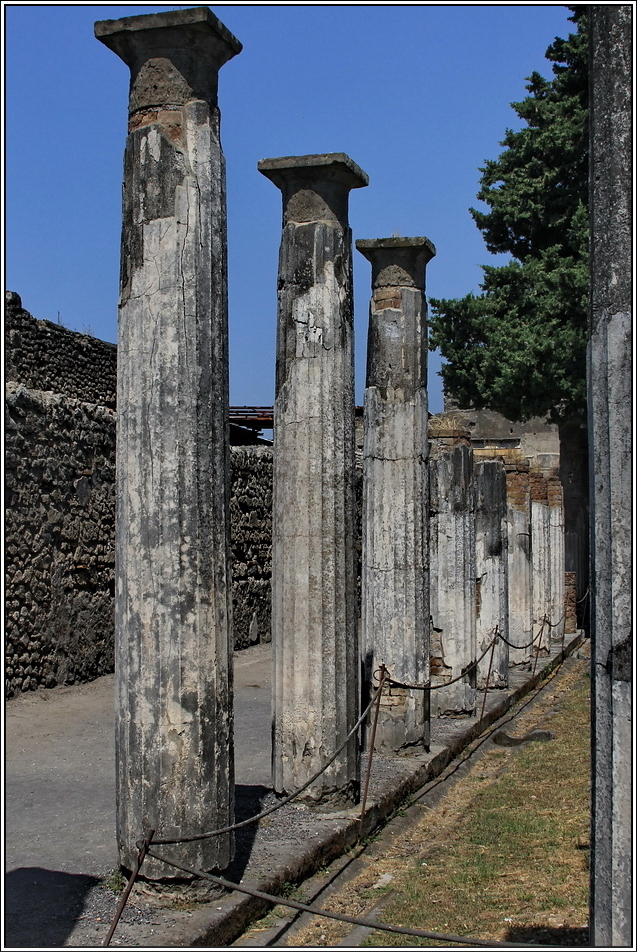 https://mia-italia.com/sites/default/files/pompei/XQST0.jpg