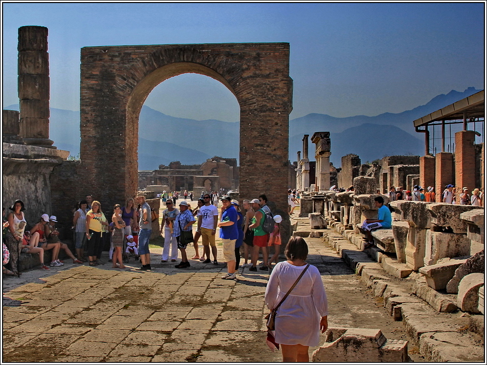 https://mia-italia.com/sites/default/files/pompei/c7BrR.jpg