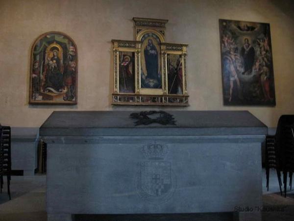 https://mia-italia.com/sites/default/files/sarcofago.jpg