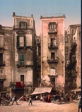 https://mia-italia.com/sites/default/files/streets-Naples.jpg