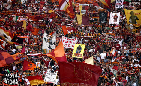 https://mia-italia.com/sites/default/files/tifosi-roma.jpg