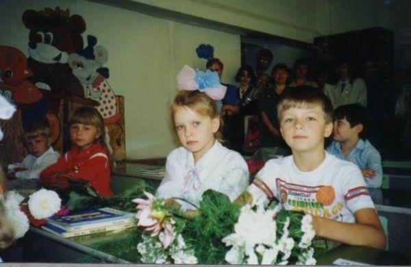 Моя первая любовь...я тут заплаканная, но довольная)) отвоевала место рядом с ним у другой девчонки!!!