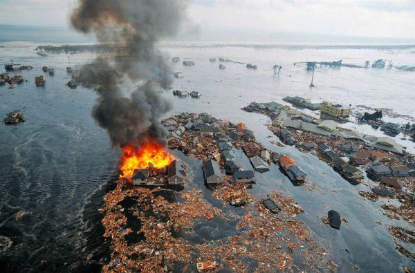 zemletriasenie-i-cunami-v-japonii-11-1.jpg